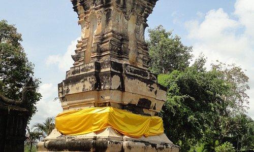 The pagoda representative of the Ayutthaya period.