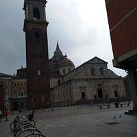 Il campanile del Duomo in Piazza San Giovanni a Torino