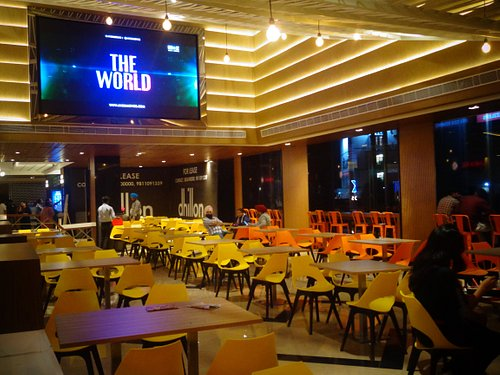 Food Court Dhillon Plaza, Zirakpur, Punjab, India