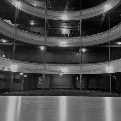 Vista de la sala 1 desde el escenario.