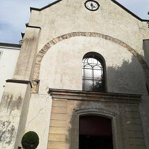 Eglise Saint Jean Baptiste à St Thibault des Vignes.