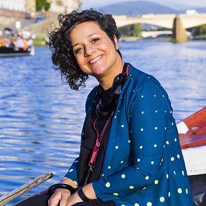 """Visiter Florence """"autrement"""": sur le fleuve Arno, grâce au bateau historique des Renaioli.."""