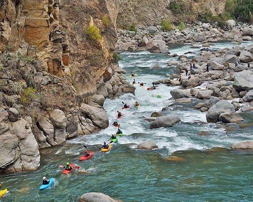 kayak en rio Pachachaca Apurimac Peru
