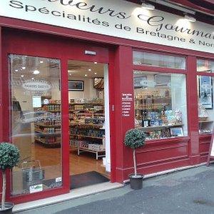 Le magasin Saveurs Gourmandes se situe 20 rue Rollon à ROUEN.