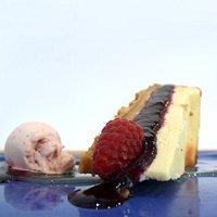 Tarta de queso, miel y frutos