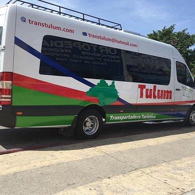 La transportadora tulum, cuenta con unidad sprinter con capacidad de 20 personas