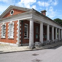 The museum building is the former guardroom of Peninsula Barracks, and was built in 1902.
