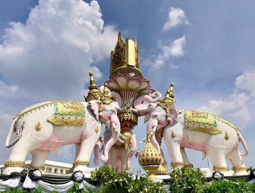 The three headed elephants!