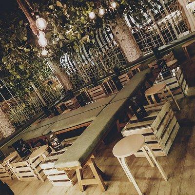 Disfruta de nuestro exclusivo lounge donde poder tomar algo tranquilamente en un ambiente exclus