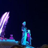 светомузыкальный фонтан на площади имени Святого князя Владимира