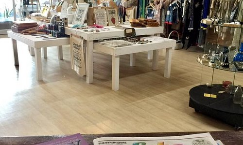 23 local makers sharing one awsome shop space...