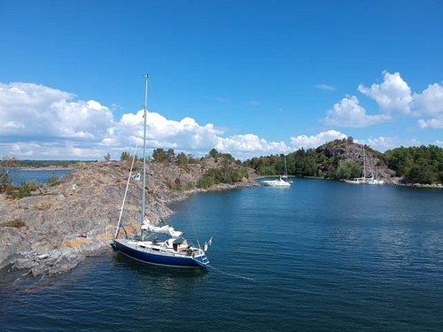 Strandhugg med lunch, bad och rundtur på ön