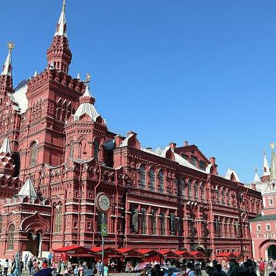 国立歴史博物館とヴァスクレセンスキー門