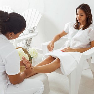 After taking long walks along streets of the walled city, pamper your feet with a rejuvenating f