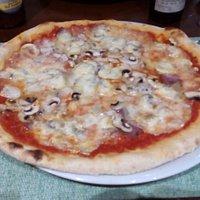 Pizza Lardo di cinghiale, mirto....