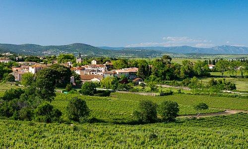Nizas - Village. Photo par Comte