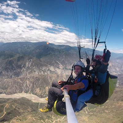 Volando en el  cañón del chicamocha