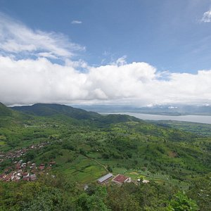 An amazing view with Inle Lake