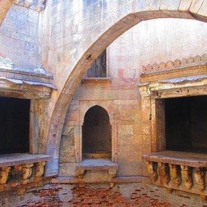 Inside the Bhamaria vav