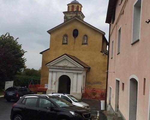 La única iglesia de Biestro. Abierta solamente los domingos para misa.
