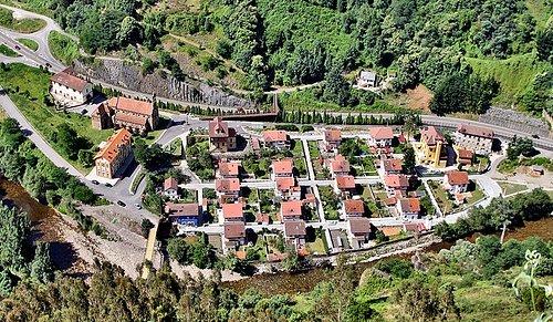 Vista del poblado desde Grameo