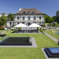 Restaurant Vieux Bois Geneva in the hear of the diplomatic district. Enjoy its famous terrace