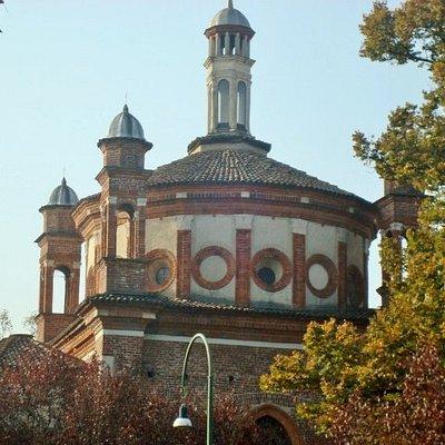 Vista sulla basilica di Sant'Eustorgio