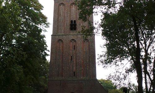Hoogste kerktoren in Drenthe (64 mtr) (15e eeuw)