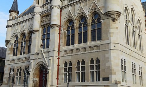 Inverness Town House - L'edificio