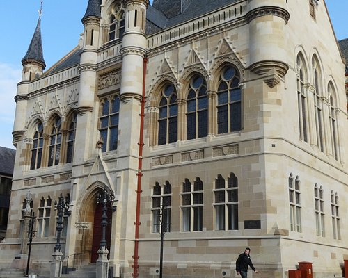 Inverness Town House - L'edificio