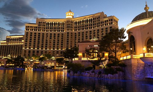 Beautiful hotel/casino with lake in front