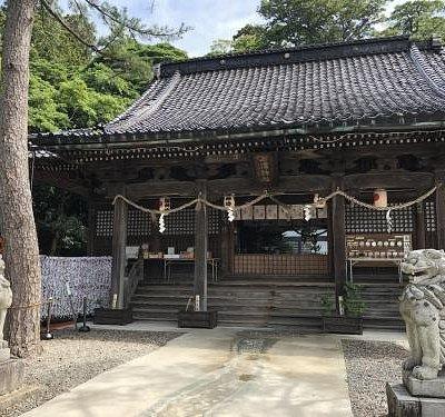 きれいな石浦神社