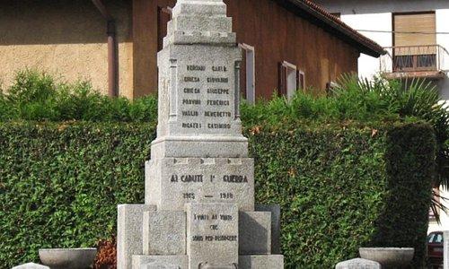 Monumento ai caduti di Cremenaga