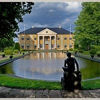 Rottneros Herrgård ligger mycket vackert i parkens centrum med utsikt över Fryken.