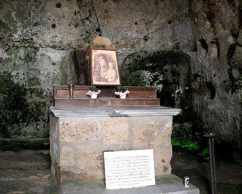 Altare della cappella con immagine