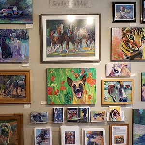 Group pictures of Lindblad Studios Art from the gallery