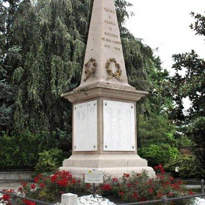 Monumento ai caduti di Taino
