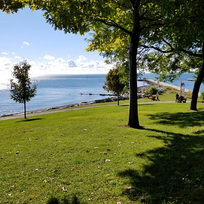 Lakeside Park overlooking Lake Ontario and pier