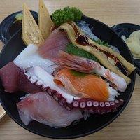 海鮮丼¥1.000