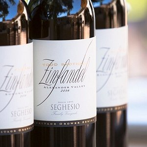 Zindandel wine tasting in Healdsburg, Dry Creek Valley