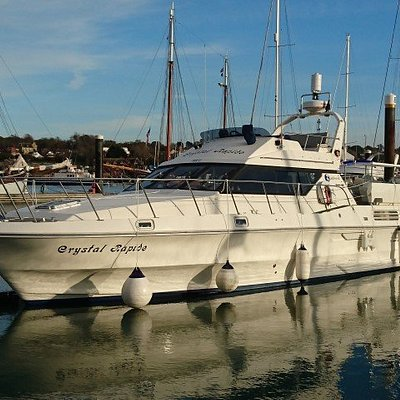 Crystal Rapide, Birchwood TS37 - ideal training boat for all our motor cruising courses.