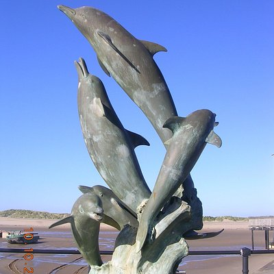 Dolphin Statue on Barmouth Quayside