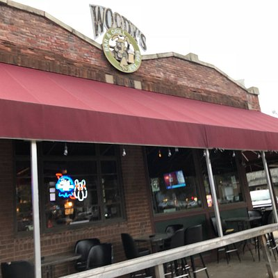Woody's Bar and Grill