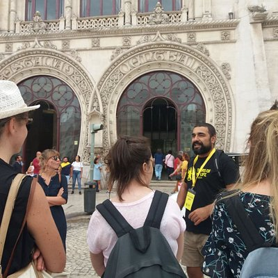 Alex revealing all the misteries of Rossio Train Station. (at Rossio)