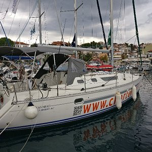 CharterAyacht