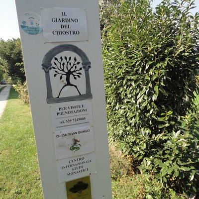 L'ACCESSO AL GIARDINO DEL CHIOSTRO