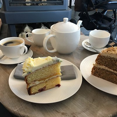 Coffee and tea with homemade cakes!