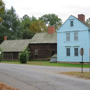 Wells-Thorne house in Historic Deerfield. See how it grew over time.
