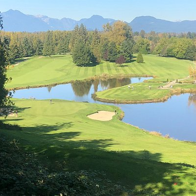 Tee box on 5th hole, spectacular view!