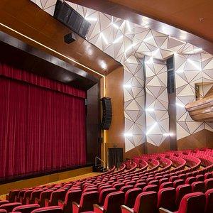Ciputra Artpreneur Theater offers a-1,163 seat International Standard Theater